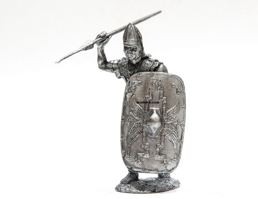 1:32 Scale Metal Miniature of Legionare of Republican Army with Pilum