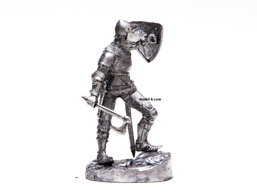 France. Knight with axe 1:32 scale warrior