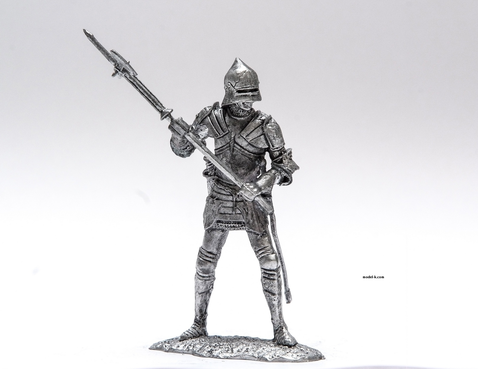 1:32 Scale Metal Miniature of Metal Figurine English cuirassier XV century